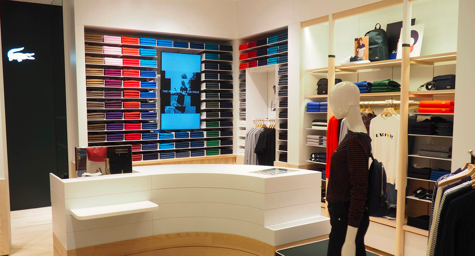 Nέο Lacoste «Le Club» store στο The Mall Athens
